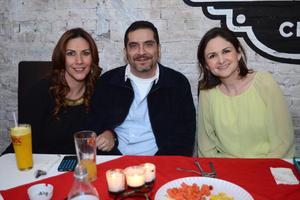 03032016 Daniella, Omar y Bárbara.