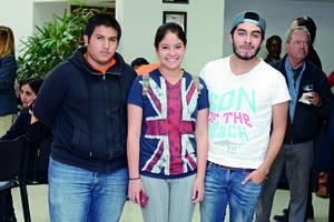 03032016 EN EVENTO CULTURAL.  Daniel, Montse y Carlos.