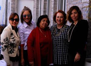 Claudia, Hilda, Lety, Tita y Ely
