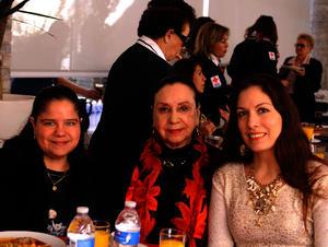 Lorena, María Guadalupe y Lupita