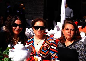 Olinka, Nenetzen y Ana