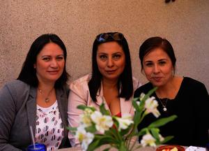 Rosa, Diana y Azucena
