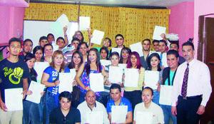 06032016 entrega de certificados