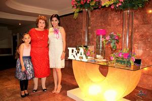 05032016 Felices momentos pasó la festejada en compañía de su pequeña hija, Constanza Burciaga