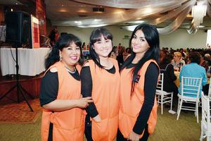 08032016 Elizabeth, Mayra y Gaby.