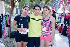 09032016 CORREDORES.  Cecilia, Javier y Zaira.