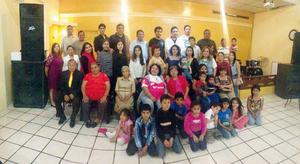 09032016 AMENA REUNIóN.  Hace unos días, se realizó el primer aniversario de la convivencia de la Familia Belmonte en conocido salón de la ciudad, donde acudieron familiares del Estado de Mexico y Houston, Texas.