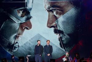 Chris Evans y Robert Downey Jr. fueron la gran sorpresa de la noche.