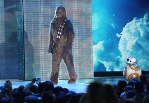 Star Wars: The Force Awakens fue elegida como mejor película.