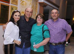 12032016 Ricardo, Mary Carmen, Mariana y Jorge.
