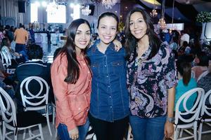 13032016 EN EXPO.  Daniela, Estefanía y Marifer.