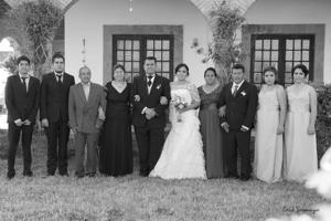 13032016 Los nuevos esposos en compañía de sus familias.- Erick Sotomayor Fotografía