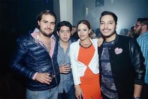 14032016 SE DIVIERTEN.  Bernardo, David, Paloma y Erick.