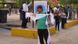 En las calles se ofrecían diversos artículos para dar la bienvenida.