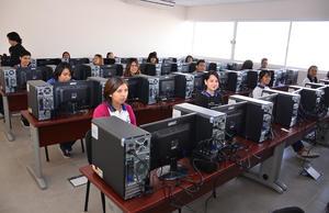 La nueva preparatoria está lista para recibir a la comunidad estudiantil.