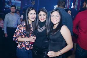 17032016 EN EL ANTRO.  Natalia, Karla y Cynthia.
