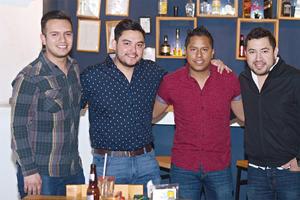 18032016 AMIGOS.  Manuel, Cristian, Manuel y Armando.