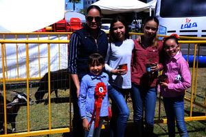 Norma, Sofía, Isabella, Regina y Camila
