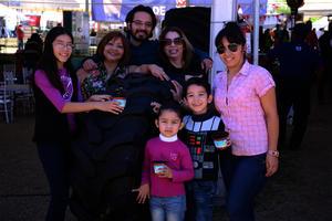 Samantha, Nena, Luis, Marycruz, Romina, Emiliano y Paulina