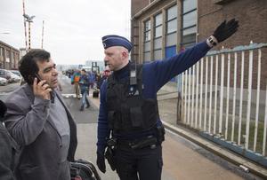 Los cuerpos de seguridad belgas estuvieron orientando a las personas que iba a tomar algún vuelo esta mañana en Bruselas.