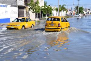 La inundación se registró desde la avenida Juárez hasta la calzada de la Candela.