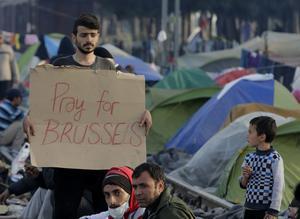 Incluso en un campo de refugiados en la frontera entre Grecia y Macedonia, los refugiados se solidarizaron con Bruselas.