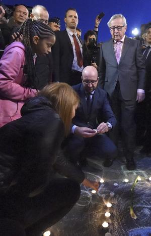 Estuvieron presentes el primer ministro Charles Michel y el presidente de la Comisión Europea Jean-Claude Juncker.
