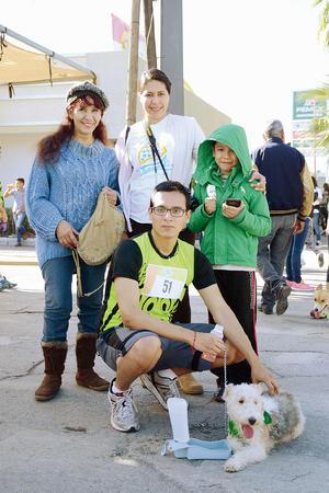 21032016 Betty, Claudia, Ares y Sebastián.