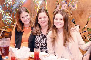 20032016 EN FAMILIA.  Karen, Ingrid y Greta.