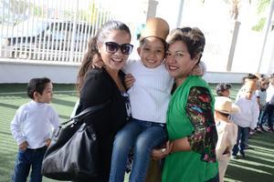 23032016 Wendy, Bárbara, Valentina y Jaime.