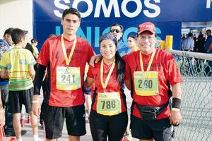 24032016 CORREDORES.  Óscar, Melissa y Noel.