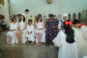 En esta ocasión y siguiendo las indicaciones del Papa Francisco, entre los doce apóstoles fueron incluidas seis mujeres.