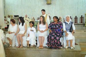 El Obispo de Torreón José Guadalupe Galván Galindo y el Vicario de la Catedral de Nuestra Señora del Carmen, José Luis Escamilla Estrada, presidieron la eucaristía y la representación.