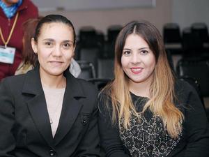 25032016 EN UNA CONFERENCIA.  Xiomara y Mónica.