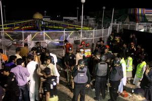 El grupo talibán Jamaat ul Ahrar asumió la autoría del atentado suicida en un parque de la ciudad paquistaní de Lahore.