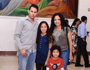 26032016 José, Irene, Adriana y Pedro.