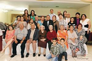 27032016 Gratos momentos vivió en esta  gran velada el Sr. Rodolfo junto a todos sus invitados.