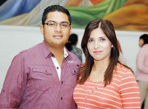27032016 EN EL TEATRO.  Arturo y María Teresa.