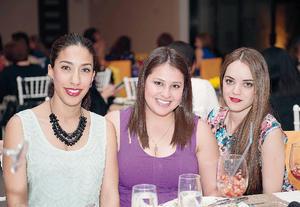 29032016 EN RECIENTE EVENTO.  Adriana, Ana e Ileana.