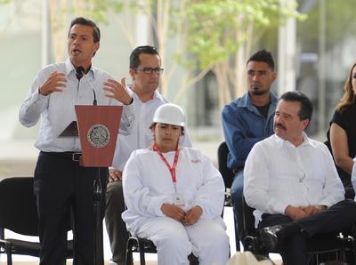 Cuando tocó su turno, Peña Nieto agradeció el cálido recibimiento que le otorgaron.