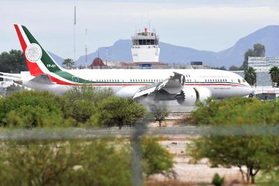 El mandatario viajó en el nuevo avión presidencial.