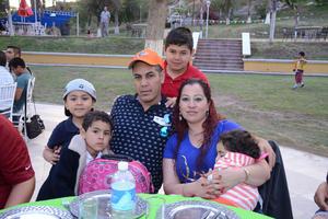 30032016 Antonio, Antonio, Iván, Sebastián, Ivana y Cuca.