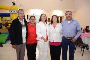 01042016 ONOMáSTICO.  La señora Conchita celebró un año más de vida en la compañía de, Antonio, Lucy, Naty y Paco.
