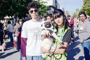 01042016 CARRERA CON MASCOTAS.  Óscar y Gabriela.