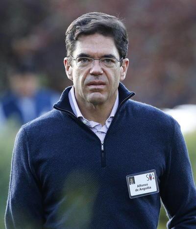 El vicepresidente ejecutivo del Grupo Televisa, Alfonso de Angoitia, quien compró una empresa en Las Bahamas.