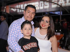 03042016 Emmanuel, Matías y Cristina.