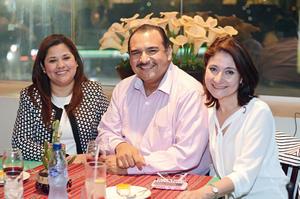 03042016 Pilar, Juan Carlos y Cristina.
