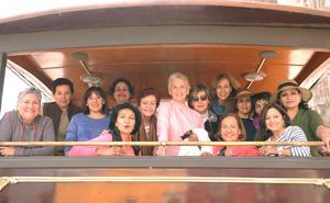 03042016 CELEBRA SU CUMPLEAñOS.  Joan Murra celebró un aniversario más de vida acompañada de sus amigas del Grupo de Ejercicios de Espíritu en San Miguel de Allende, Guanajuato.