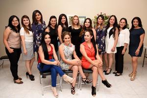 03042016 Diana, Karla, Mariana, Angy, Zaira, Yazmín, Lorena, Magda, Cecy, Tania, Laura, Brenda y Laura en la despedida de Karla.