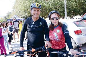 03042016 CICLISTAS.  Alejandro y Susana.